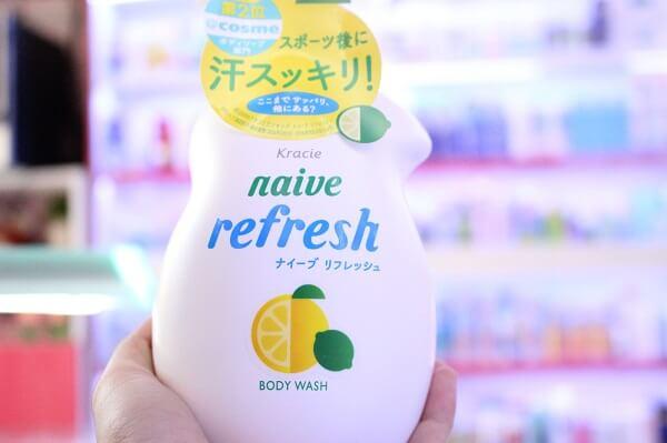 Review sữa tắm Naive Refresh