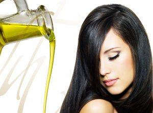 Ủ tóc bằng dầu dừa đơn giản, hiệu quả